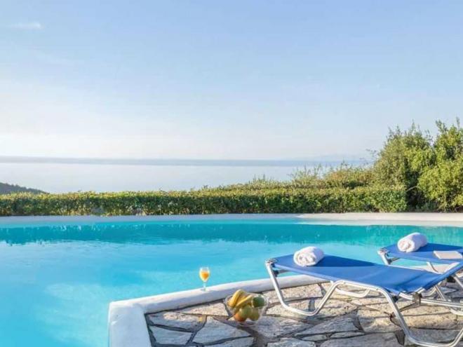 Villa-Daphne-zwembad