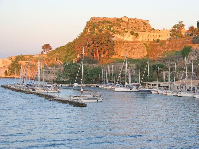 Corfu-stad-img_5137ed
