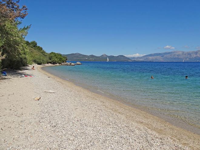 Griekenland-Lefkas-Perigiali-strand-dsc03609ed
