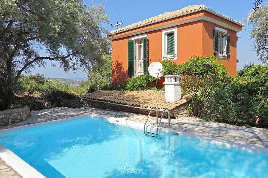 Villa katerina vakantiehuis lefkas griekenland for Vakantiehuisjes met prive zwembad